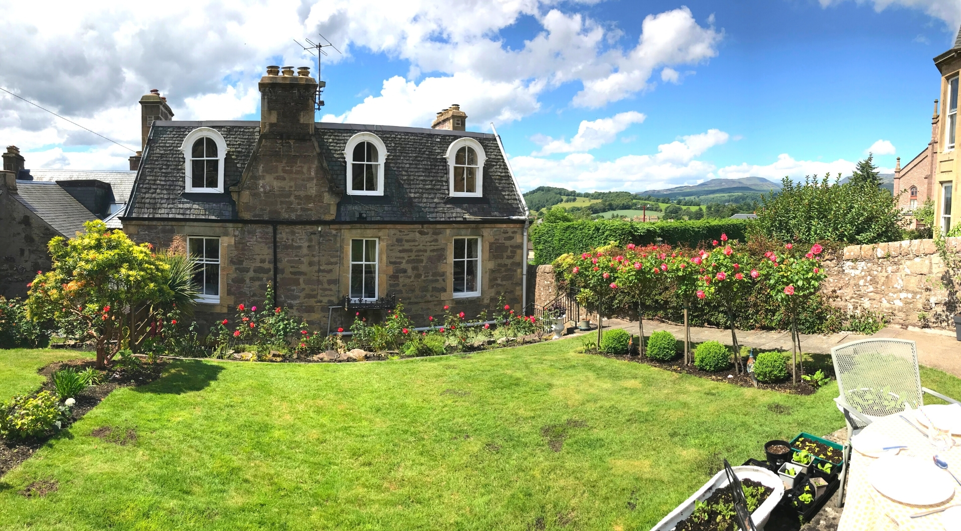 Leven House Bed and Breakfast Garden and Terrace, Crieff, Perthshire